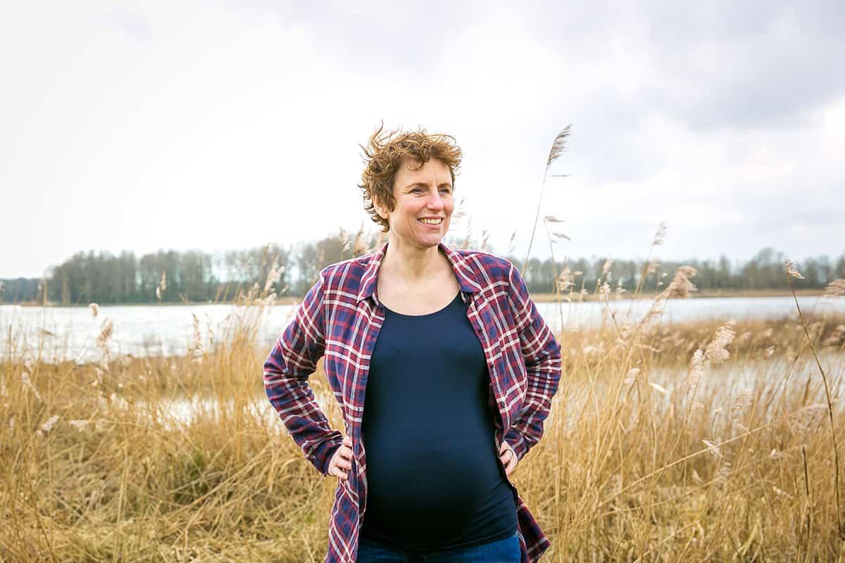 Een prachtige zwangerschapsreportage in de winter