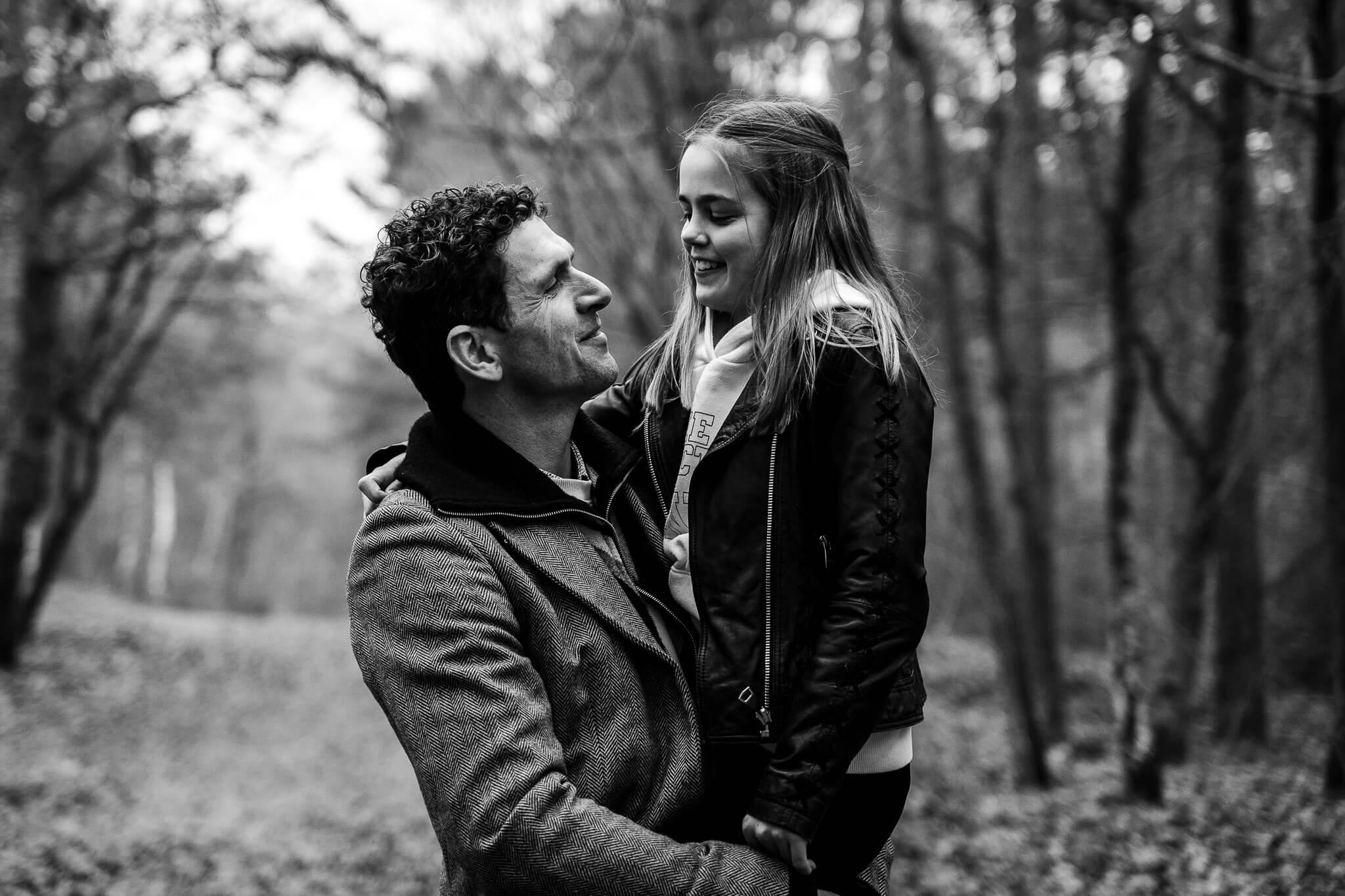 De vader met zijn jongste dochter op de foto in Soesterduinen